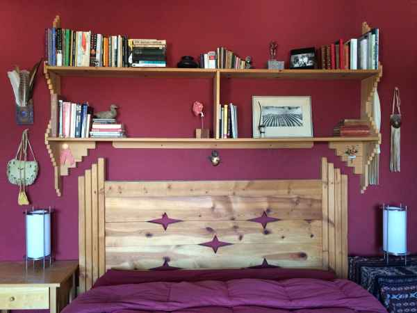 bed-wide-headboard