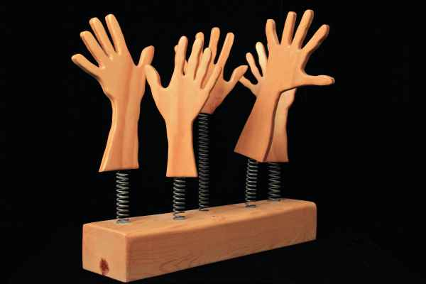 hands-clapping2