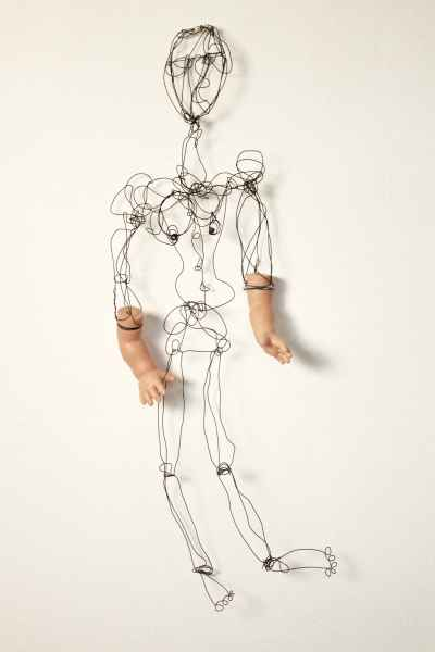 wire-figure-with-hands