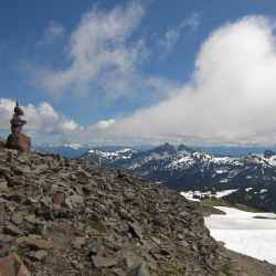 mount-rainier-cairn